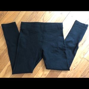 GAP black leggings with ankle zipper, small